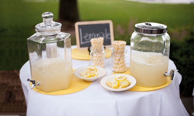 8-quirky-wedding-drinks-to-get-your-guests-talking-emilysteffenphoto.comJ
