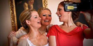 8-ways-to-guarantee-the-perfect-diy-wedding-video-zoom