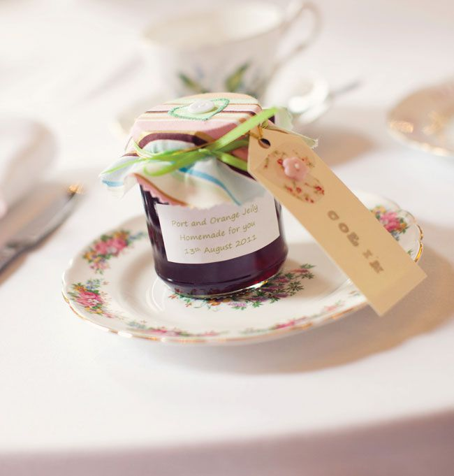 9-incredible-edible-wedding-favours-your-guests-will-love-octoberward.com