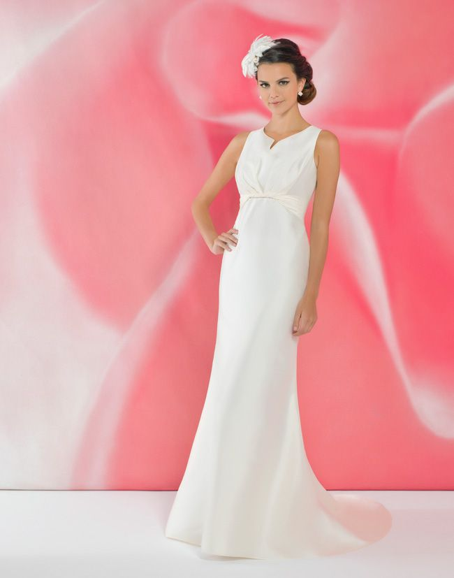 alexias-new-ivory-dress-collection-is-perfect-for-last-minute-brides-I103