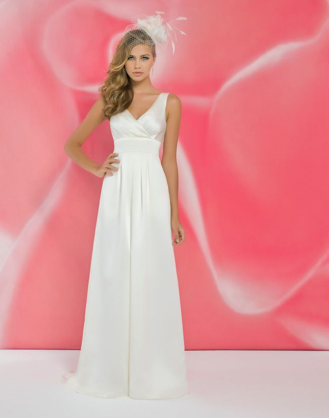 alexias-new-ivory-dress-collection-is-perfect-for-last-minute-brides-I104