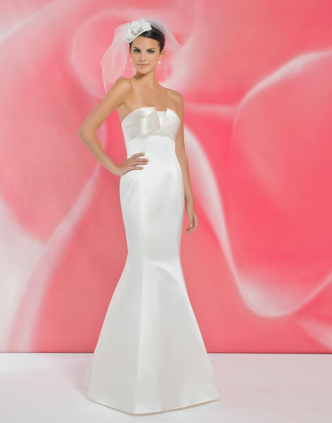 alexias-new-ivory-dress-collection-is-perfect-for-last-minute-brides-I108