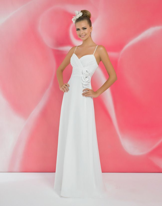alexias-new-ivory-dress-collection-is-perfect-for-last-minute-brides-I114