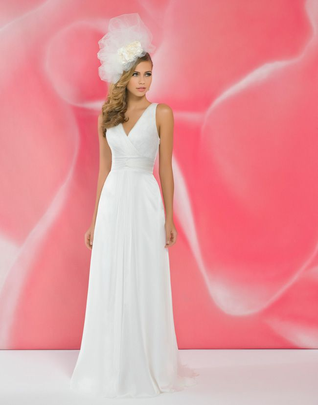 alexias-new-ivory-dress-collection-is-perfect-for-last-minute-brides-I115