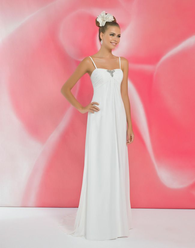 alexias-new-ivory-dress-collection-is-perfect-for-last-minute-brides-I116