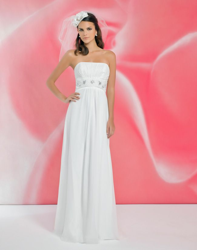 alexias-new-ivory-dress-collection-is-perfect-for-last-minute-brides-I117