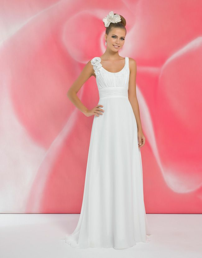 alexias-new-ivory-dress-collection-is-perfect-for-last-minute-brides-I118