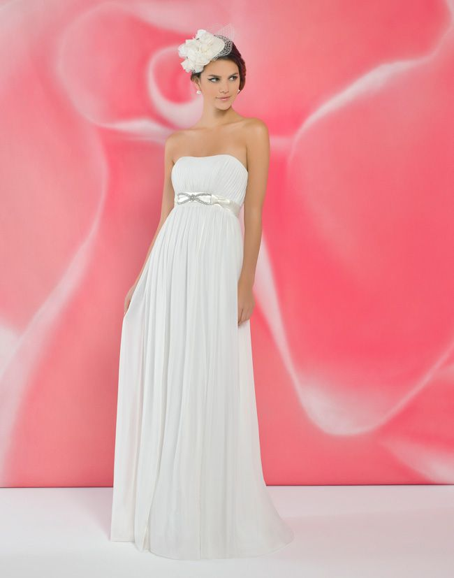 alexias-new-ivory-dress-collection-is-perfect-for-last-minute-brides-I119