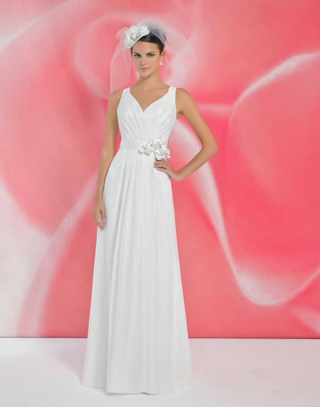 alexias-new-ivory-dress-collection-is-perfect-for-last-minute-brides-I120