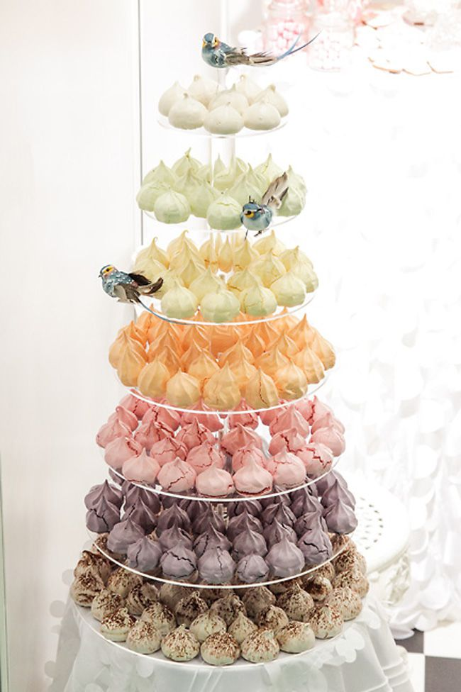 brilliant-bridal-finds-from-the-national-wedding-show-in-manchester-cakes