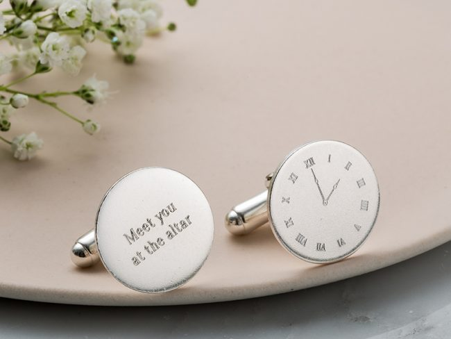 10 groom gifts to surprise your man with on your wedding day Cufflinks