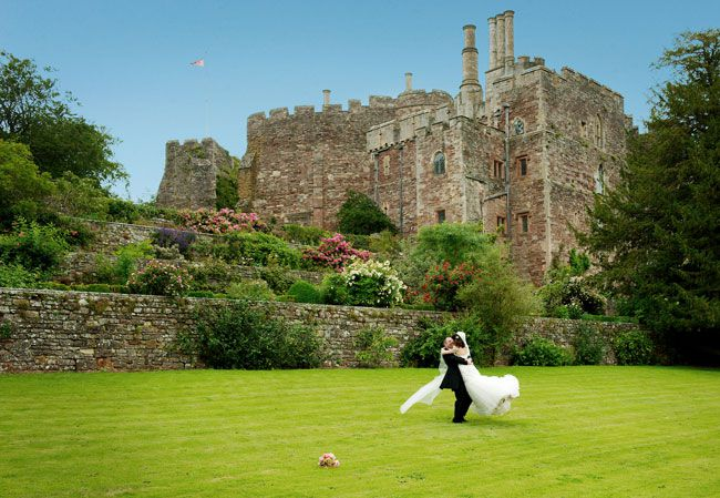 dreaming-of-a-castle-wedding-these-real-life-couples-did-just-that-Berkeley_108