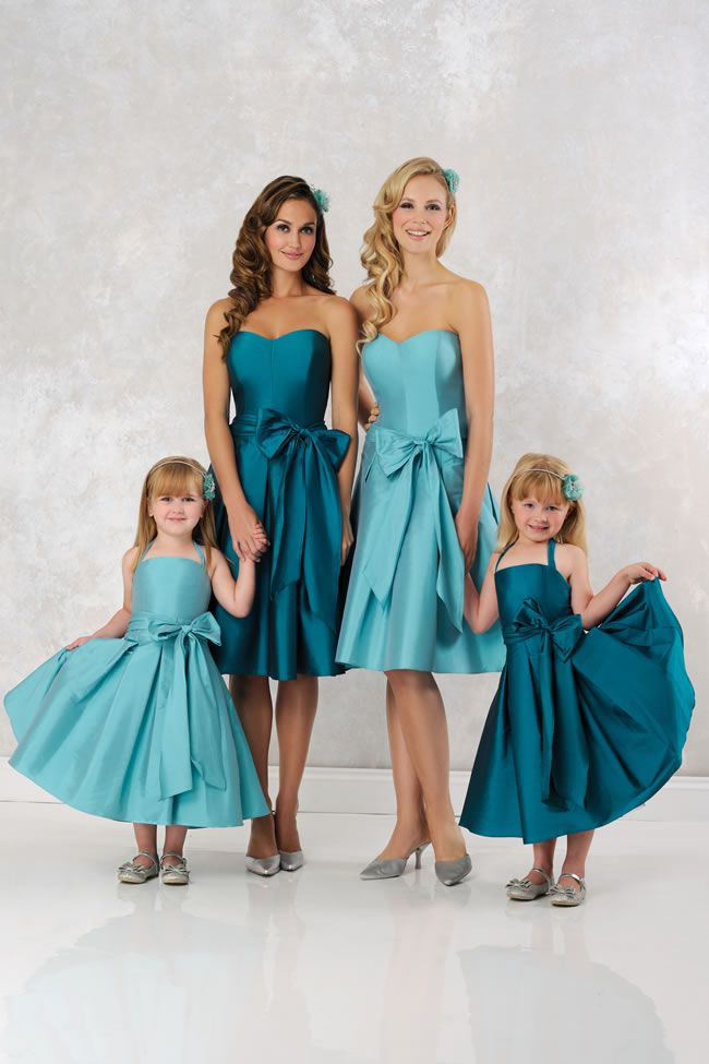 dress-your-maids-and-flowergirls-in-these-gorgeous-new-veromia-bridesmaids-designs-VRB71354-VRF81355