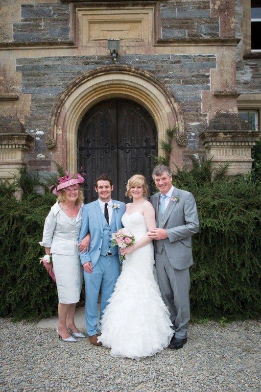 elvis-presley-fans-danielle-and-marc-had-a-pretty-pastel-wedding-theme-gwenterphotography.co.uk-345