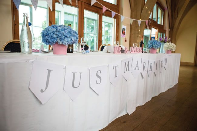 elvis-presley-fans-danielle-and-marc-had-a-pretty-pastel-wedding-theme-gwenterphotography.co.uk-400