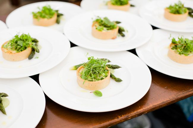 how-to-feed-your-wedding-guests-in-every-season-Eddie-Judd-Photography-113