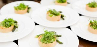 how-to-feed-your-wedding-guests-in-every-season-Eddie-Judd-Photography-featured