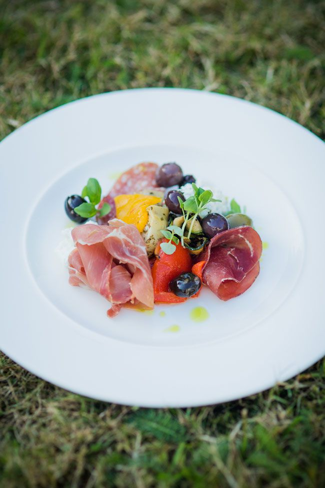 how-to-feed-your-wedding-guests-in-every-season-Sarah-Legge-Photography