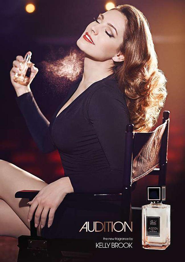 kelly-brook-is-engaged-to-boyfriend-david-mcintosh-after-just-12-weeks-perfume