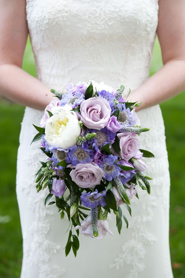 the-hottest-colours-for-wedding-flowers-in-2014-emmamoorephotography.co.uk