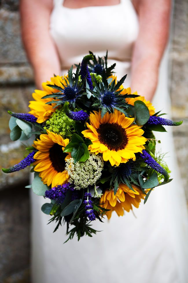 the-hottest-colours-for-wedding-flowers-in-2014-hannahwhomes.co.uk