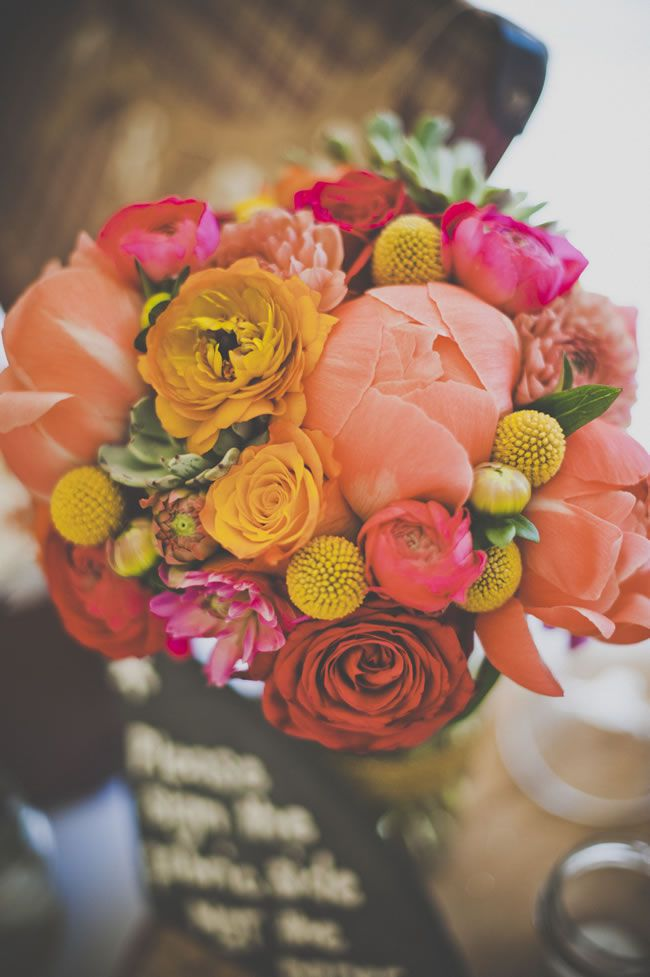 the-hottest-colours-for-wedding-flowers-in-2014-neilpollockphotography.co.uk