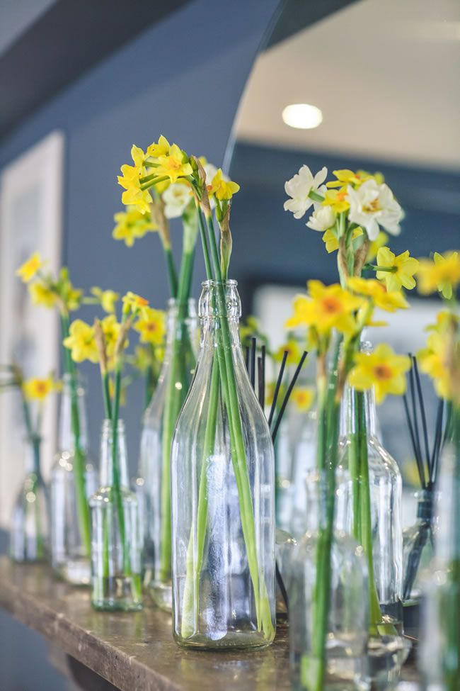 the-hottest-colours-for-wedding-flowers-in-2014-wookiephotography.com