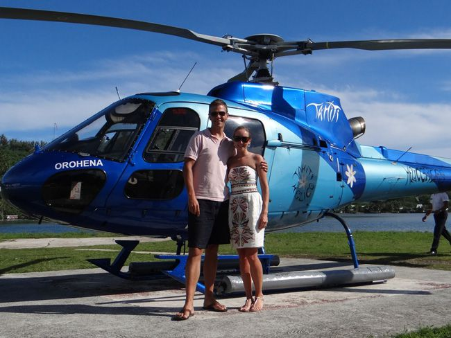 we-go-behind-the-scenes-on-a-real-life-honeymoon-in-the-south-pacific-helipcopter