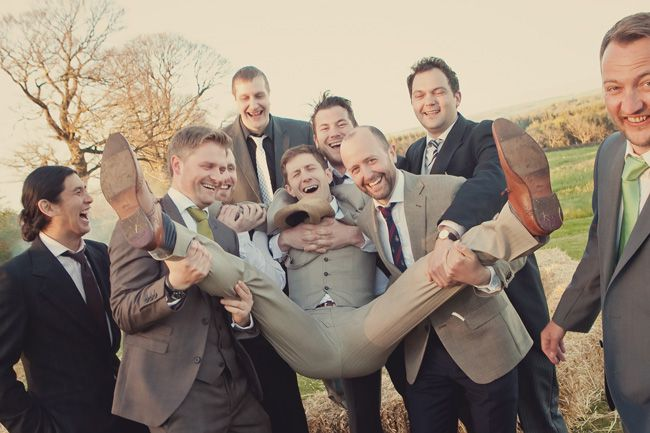 20-fun-wedding-photo-ideas-for-your-bridal-party-lissaalexandraphotography.com--LAP-Copyright-621-vintage