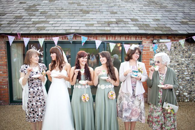 20-fun-wedding-photo-ideas-for-your-bridal-party-navyblur.co.uk--1358347057WesLaura0318