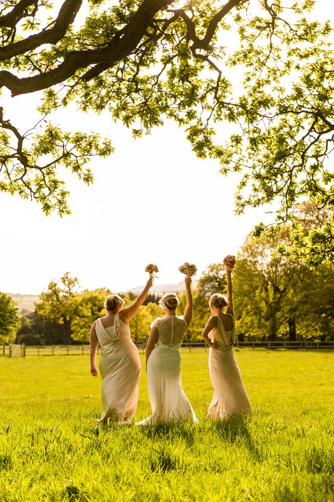 20-fun-wedding-photo-ideas-for-your-bridal-party-shoot-lifestyle.co.uk-LD-731