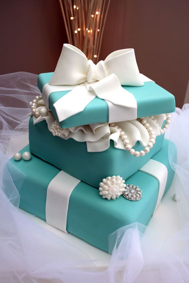 4-amazing-movie-inspired-wedding-themes-katiescupcakes.co.uk