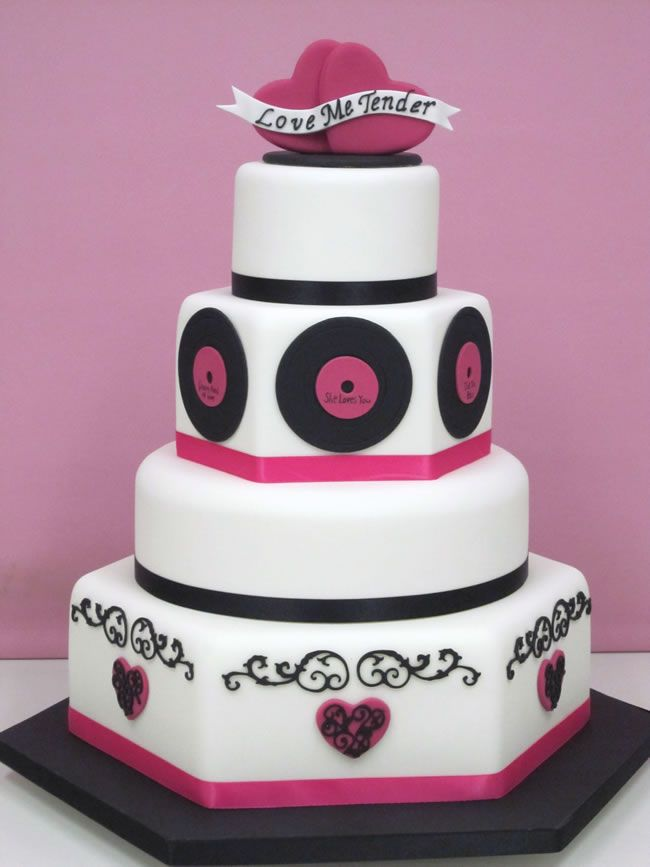 4-amazing-movie-inspired-wedding-themes-thecakefairy.com
