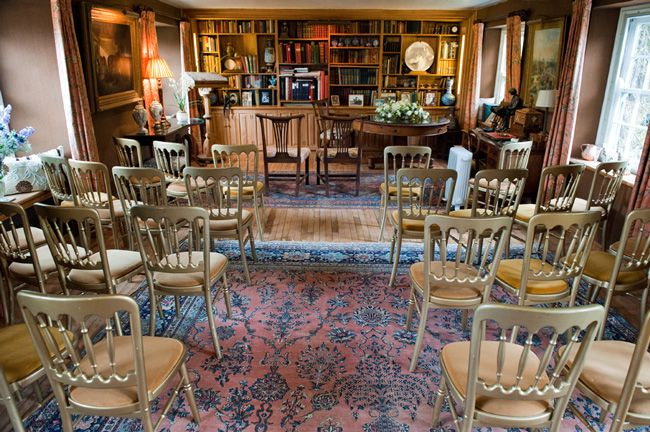 4-romantic-rustic-wedding-locations-at-south-farm-in-hertfordshire-DRAWING-ROOM