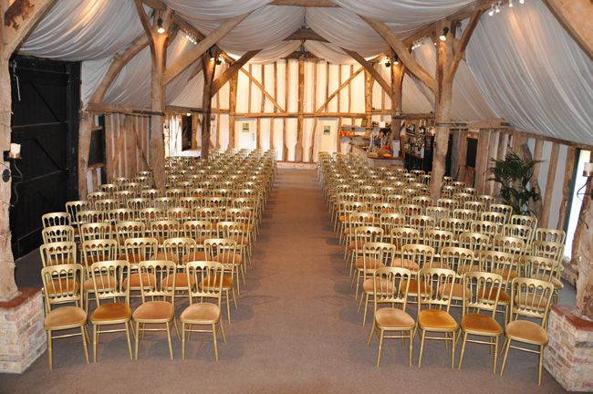 4-romantic-rustic-wedding-locations-at-south-farm-in-hertfordshire-TUDOR-BARN