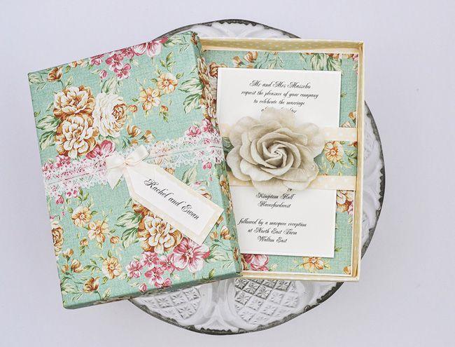 5-elegant-finishing-touches-for-a-vintage-wedding-theme-flowers