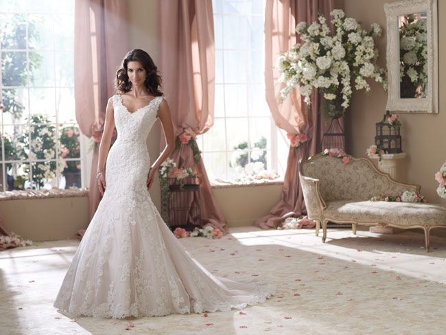5-wedding-dresses-that-will-make-you-look-slimmer-in-seconds-114271_049_Hero