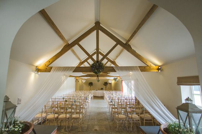 7-of-the-best-barn-venues-for-a-rustic-wedding-theme-Nicki-Feltham-Photography-~-Farbridge-(11)