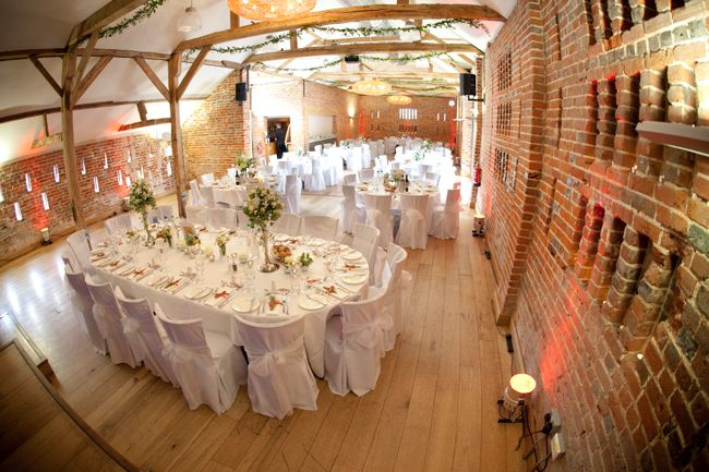 7-of-the-best-barn-venues-for-a-rustic-wedding-theme-wassing-studio-rouge-photography-(4)