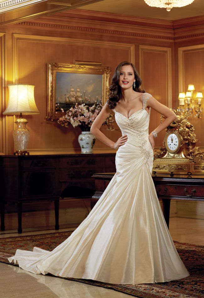 7-picture-perfect-wedding-dresses-from-sophia-tolli-Y11412