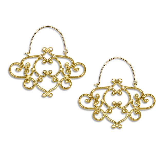 7-statement-bridal-accessories-with-the-wow-factor-belladonna-earrings