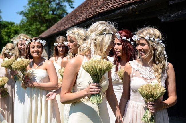 9-easy-elegant-ideas-for-summer-wedding-themes-FLOWERS-IN-HAIR-zarapricephotography.com-&-momento-online.com----spb-104