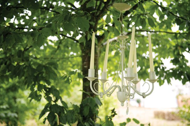 9-easy-elegant-ideas-for-summer-wedding-themes-OUTDOOR-LIGHTING-alexbeckett.co.uk--AlexBeckett.HP10588