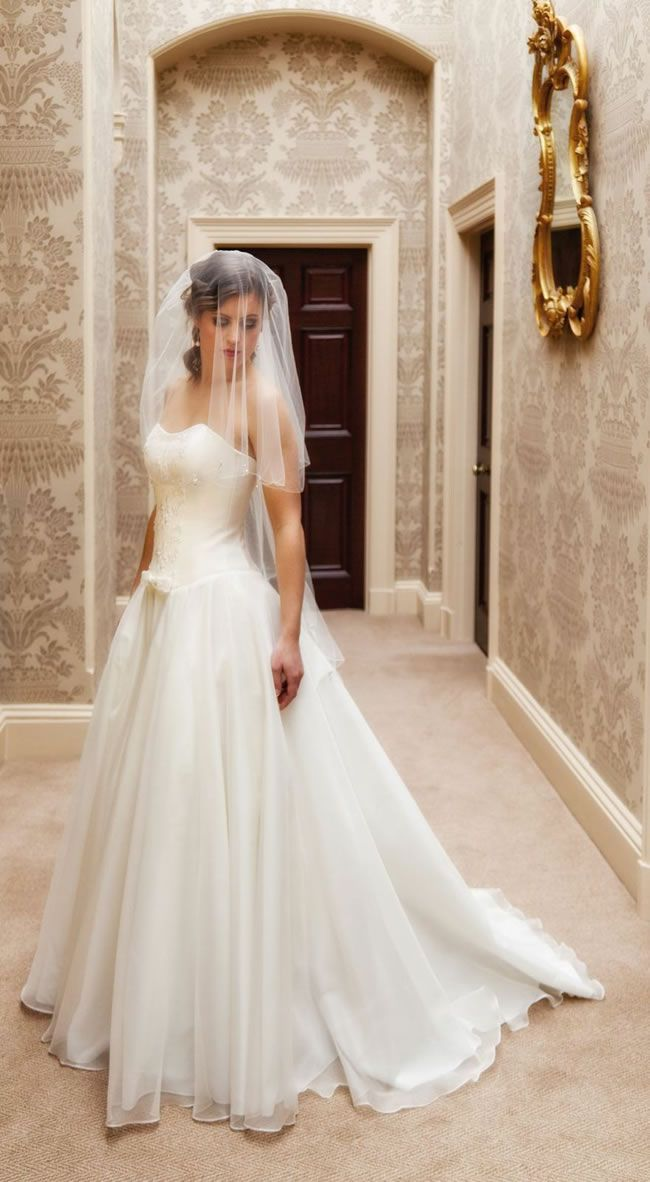 Qiana-Bridal-Love-and-Romance-Collection-Juliet