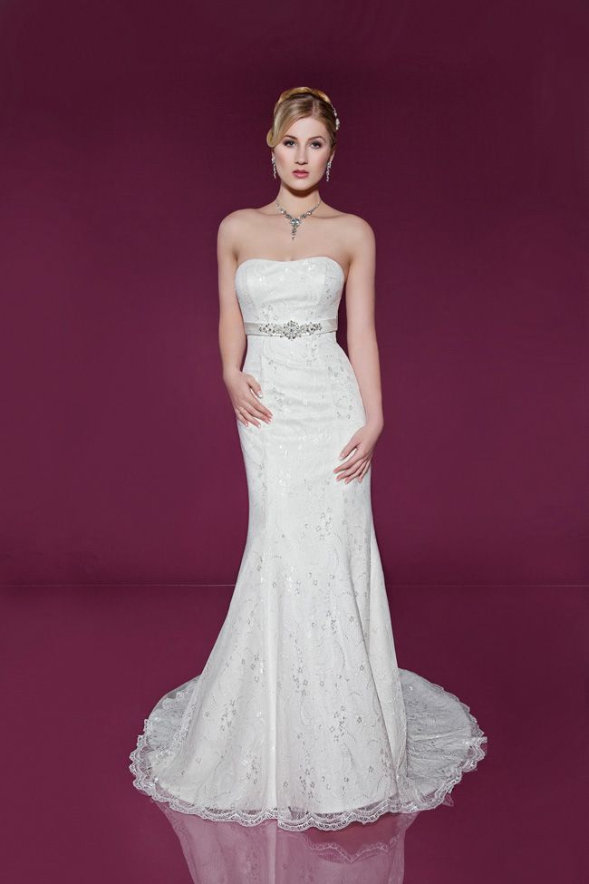 dos-and-donts-for-buying-wedding-dresses-for-the-beach-2405-Front