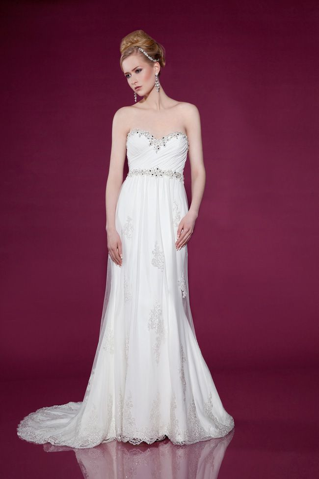 dos-and-donts-for-buying-wedding-dresses-for-the-beach-2421-Front