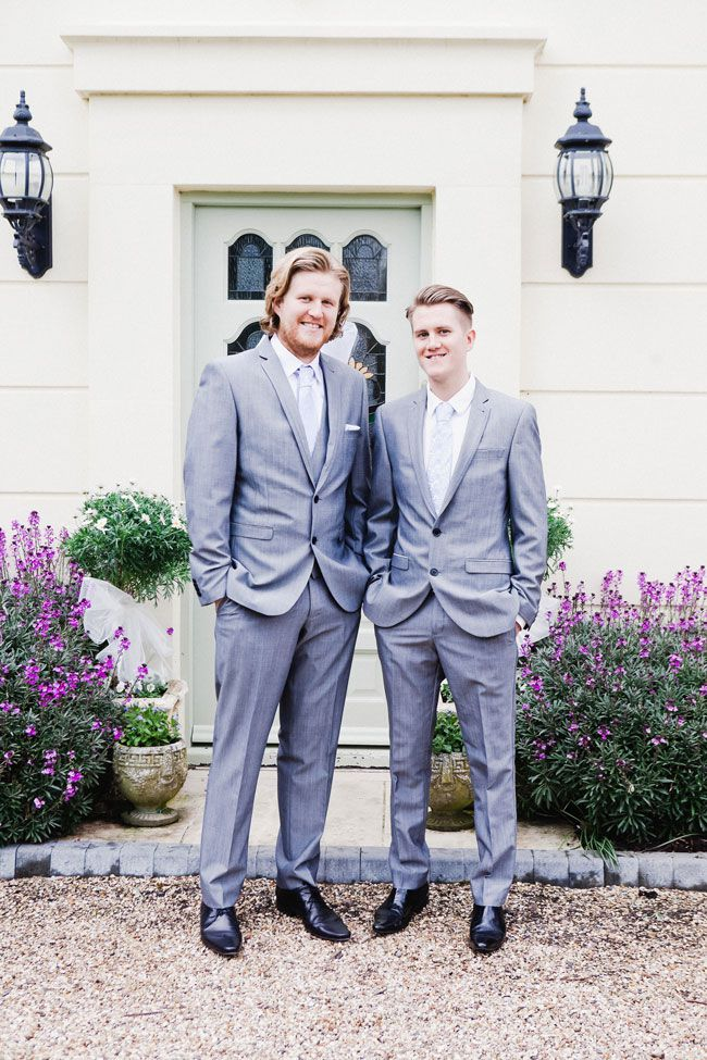 get-your-groom-looking-gorgeous-with-these-wedding-suit-ideas-LOUNGE-SUIT-babbphoto.laurababb.co.uk---053