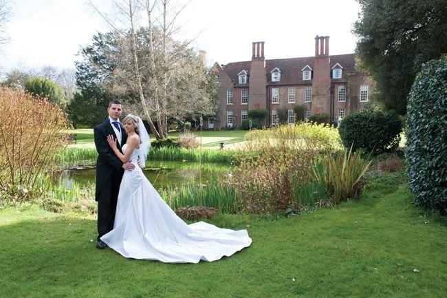 hintlesham-halls-top-tips-for-planning-last-minute-weddings-pond