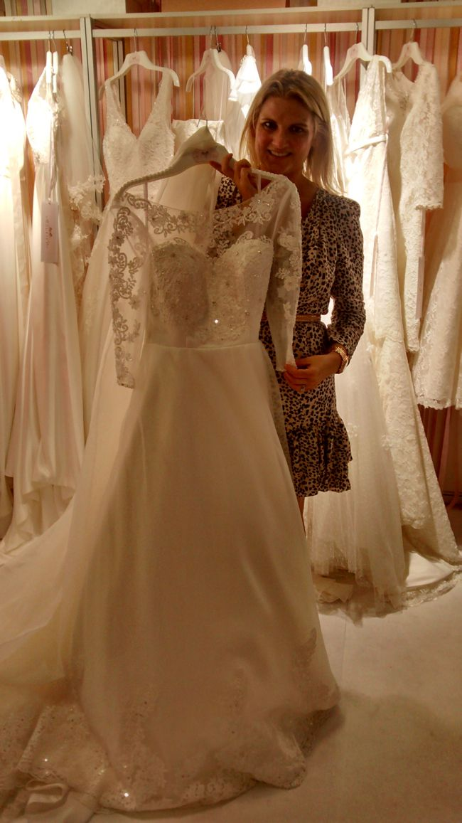 hot-off-the-catwalk-2015-wedding-dress-trends-charlotte
