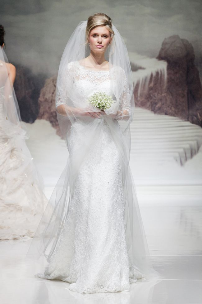 hot-off-the-catwalk-2015-wedding-dress-trends-ian-stuart